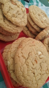 white chocolate chip/macadamia nut cookies